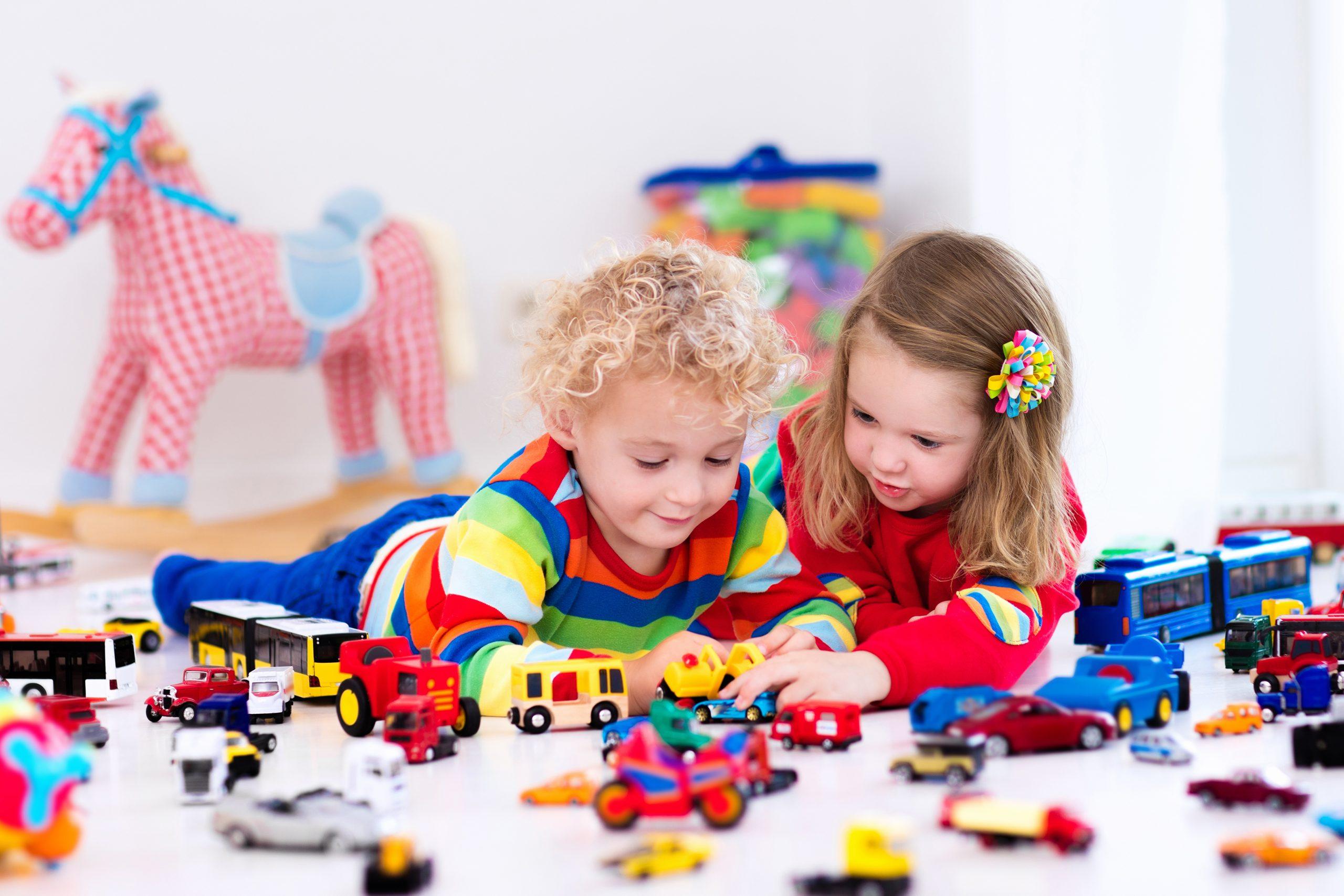 راهنمای انتخاب اسباببازی برای کودکان
