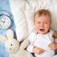 روش هایی برای شناخت علت اصلی گریه کودک در سنین مختلف