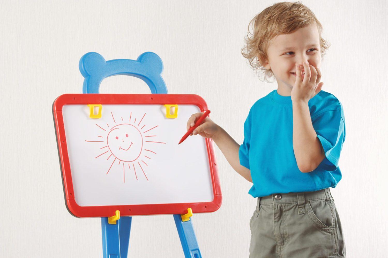 بازی نقاشی کودک و حدس کلمات