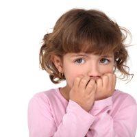 پذیرفتن اشتباه کودکان و آموزش به والدین