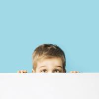 نحوه ی صحیح ارتباط با کودکان درونگرا
