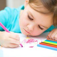 نقاشی کودکان قابلیت تحلیل و آنالیز از نظر روانشناسی دارد.