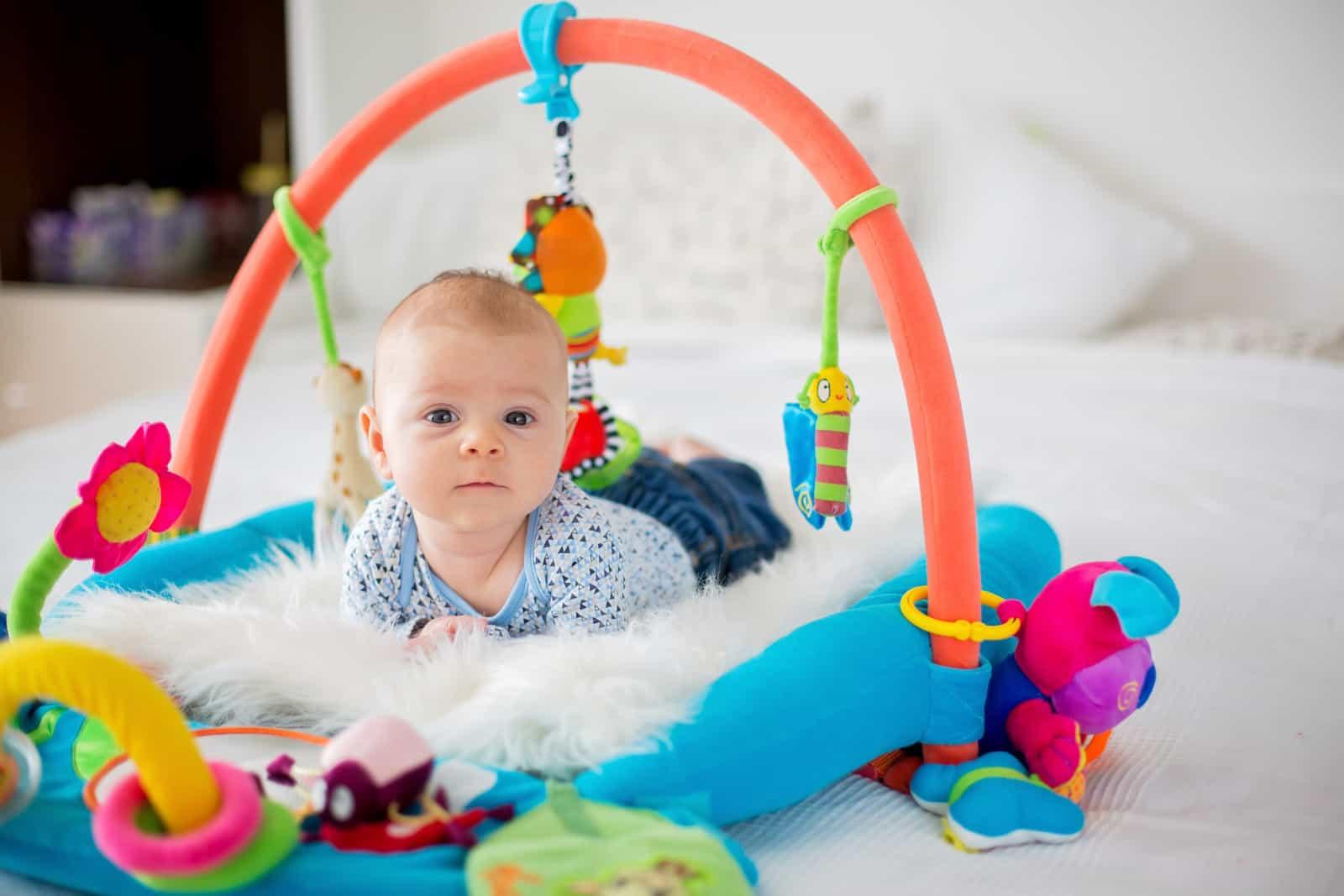 نکات مهم در هنگام خرید اسباب بازیهای مناسب نوزادان