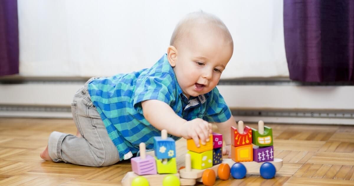 بهترین اسباب بازی برای کودکان زیر یک سال