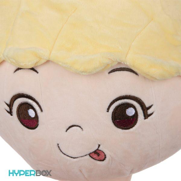 عروسک دخترک پاپیون بر سر کوچک