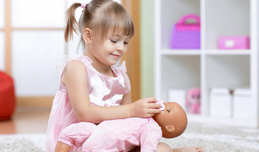 تاثیر بازی با عروسک در کاهش اضطراب کودکان