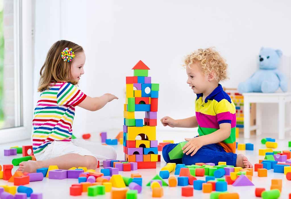لگوها از مهم ترین اسباب بازی ها برای افزایش خلاقیت کودکان هستند.