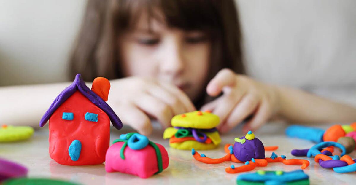 فواید خمیر بازی برای کودکان