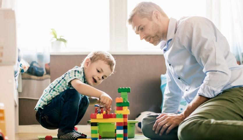 تاثیر بازی کودکان با اسباب بازی در رشد و تربیت آنها