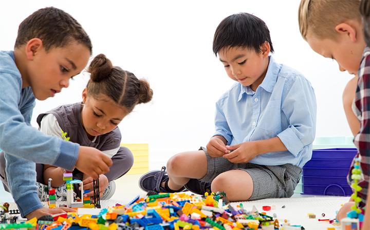 بازی گروهی با لگو و پازل هوش خلاقانه ی کودکان را افزایش می دهد